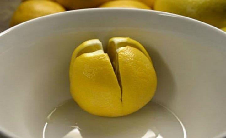 A lemon in a bowl