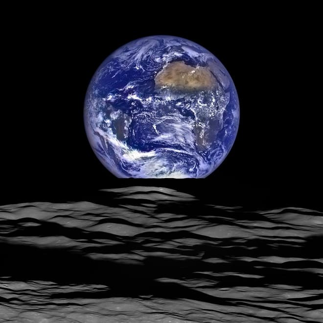 a clear picture of planet earth