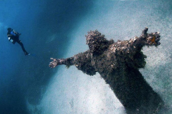 Statue of Jesus underwater