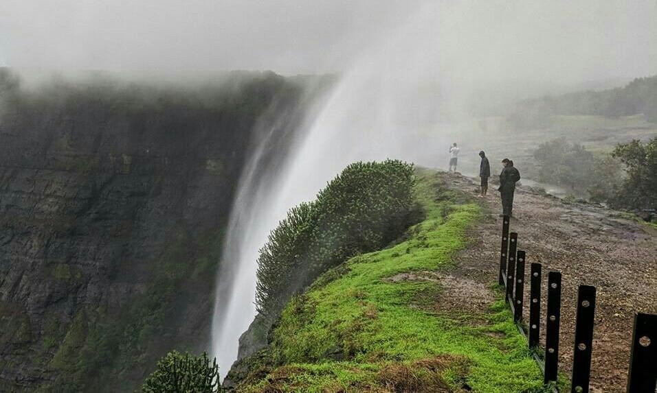 Reserve waterfall