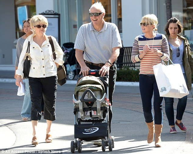 Anna Faris and her parents