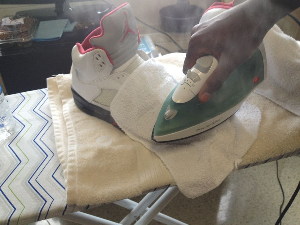 Steam iron and shoe