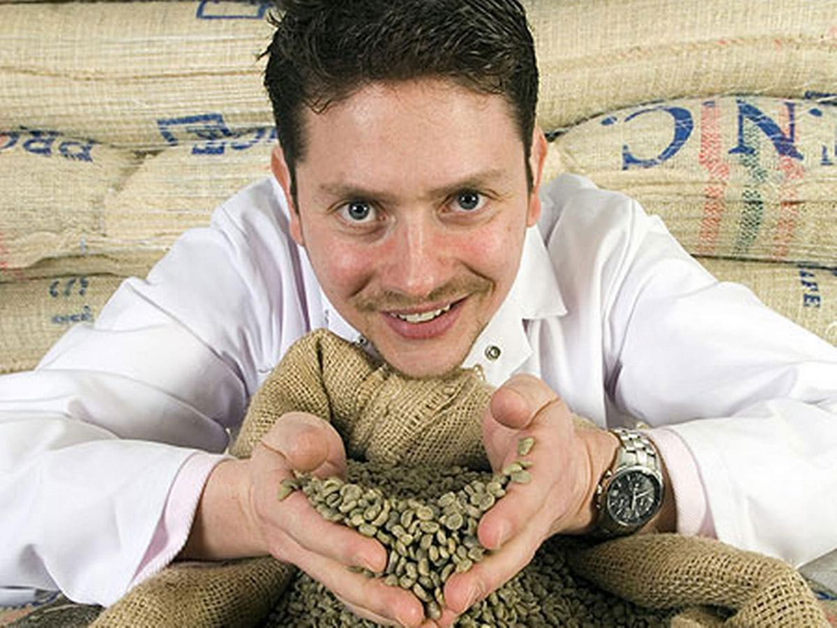 Gennaro Pelliccia holding coffee beans