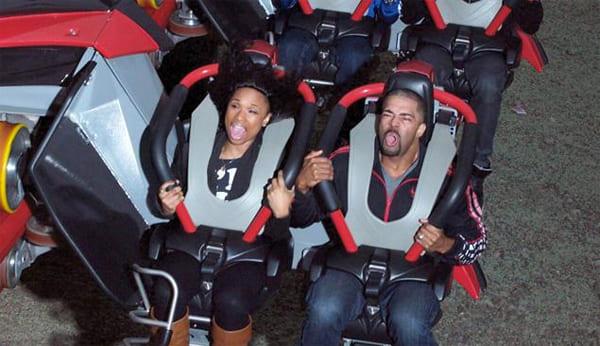 Jennifer Hudson and David Otunga on a roller coaster
