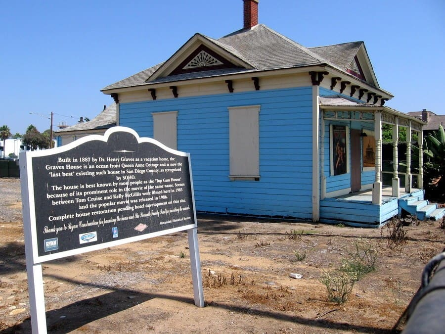 A photograph of the house from the movie Top Gun.