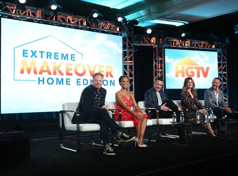 Jesse Tyler Ferguson with Breegan Jane, Darren Keefe, Carrie Locklyn, and Loren Ruch at the Extreme Makeover: Home Edition Winter Press Tour Panel in 2020.