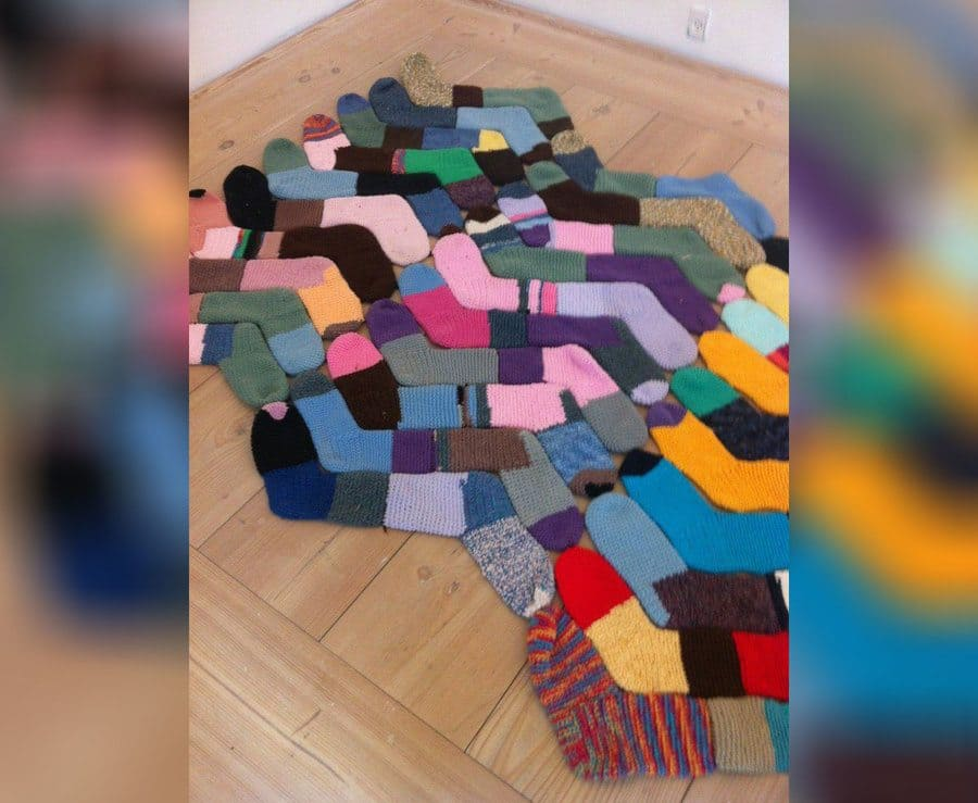 making a rug from old socks