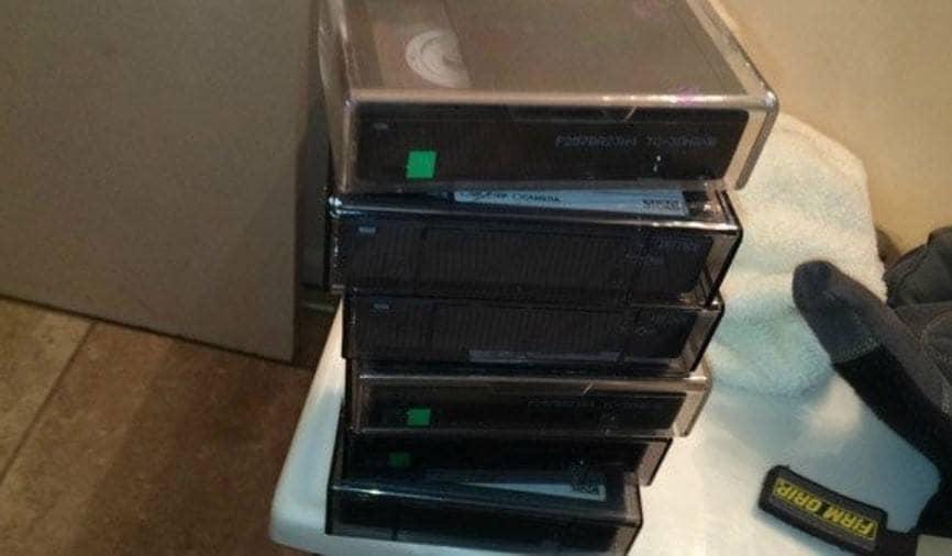 Las cintas que la pareja encontró en el cuarto secreto