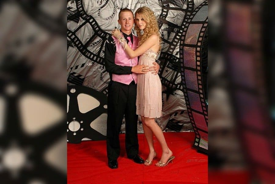 Taylor Swift and Whit dressed for prom