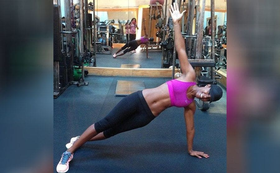 Kelly Rowland working out
