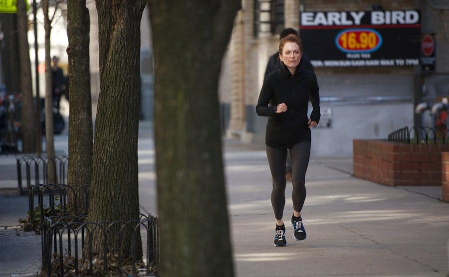 Julianne Moore going for a run in the show 'Still Alice'