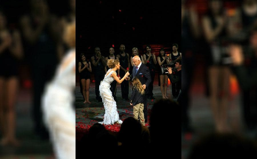 Celine Dion was handing a rose over to Rene Angélil during her final show at the Colosseum in 2007.
