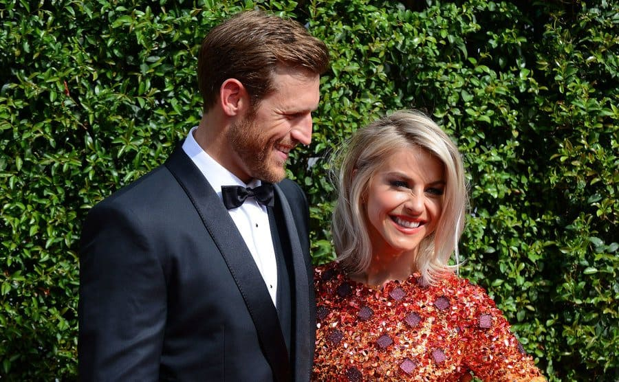 Julianne Hough and Brooks Laich at the Creative Arts Emmy Awards in 2015.