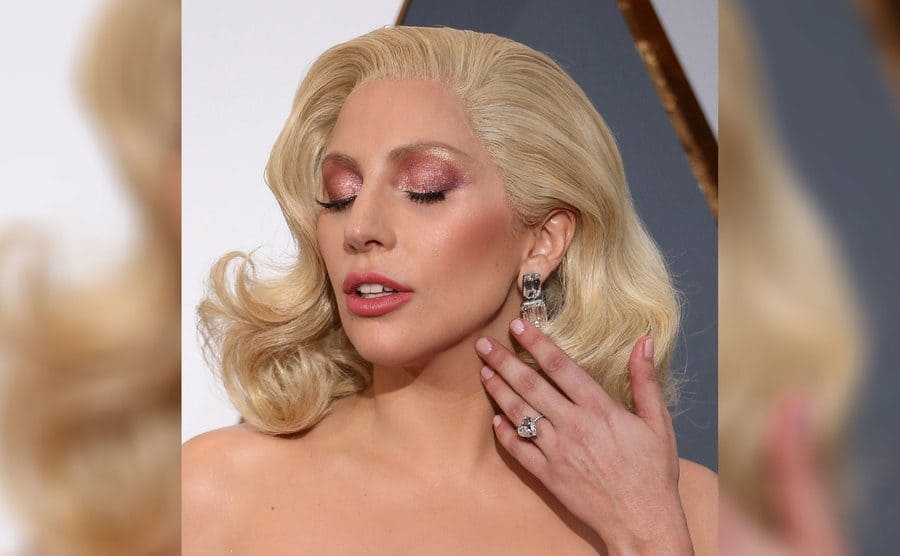 Lady Gaga wearing her engagement ring