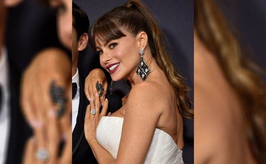 Sofia Vergara is wearing her engagement ring