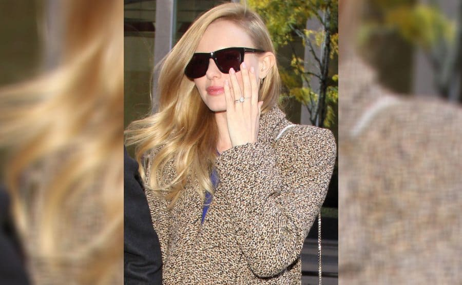 Kate Bosworth is wearing her engagement ring