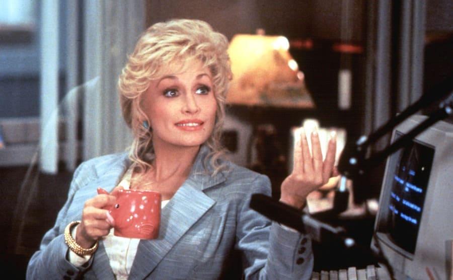 Dolly Parton in Straight Talk 1992