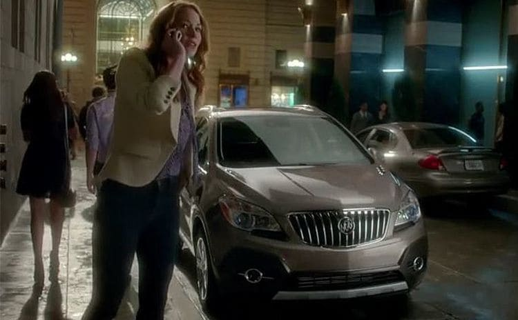 Kelly Frye in the Buick commercial speaking on the phone