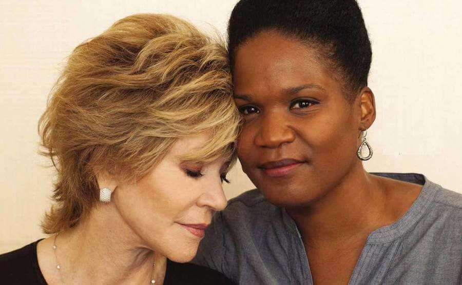 Jane Fonda leaning on Mary Luana Williams' head