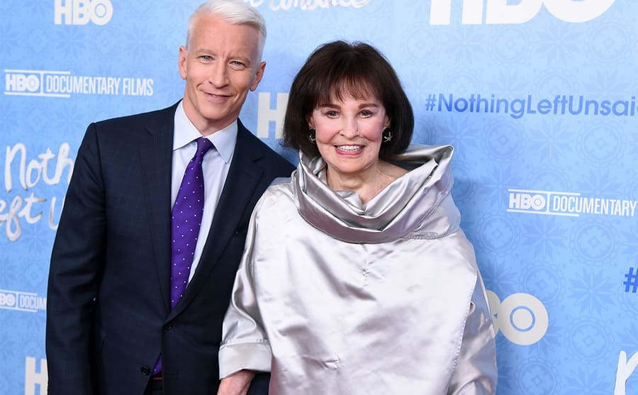 Anderson Cooper and Gloria Vanderbilt on the red carpet in 2016