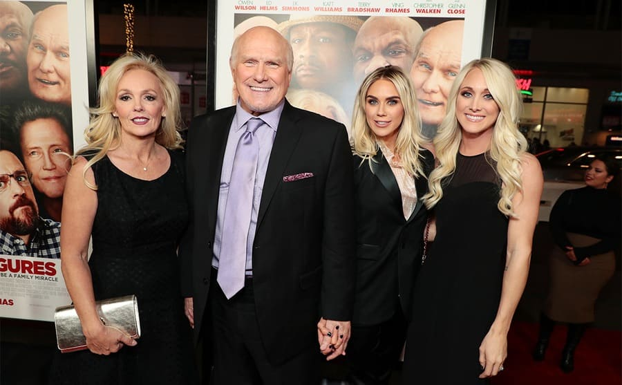 Warner Bros. Pictures World Premiere of FATHER FIGURES, Los Angeles, CA, USA - 13 December 2017 - Tammy Bradshaw, Terry Bradshaw, Rachel Bradshaw, and Erin Bradshaw