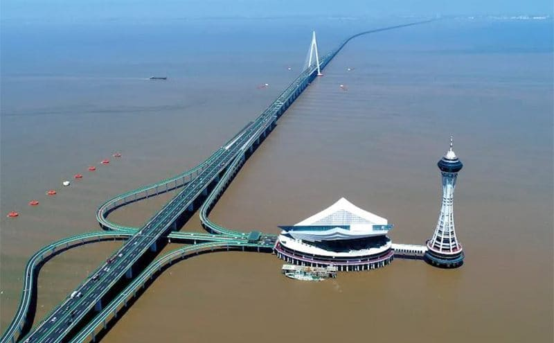 The Hangzhou Bay Bridge and its sightseeing tower