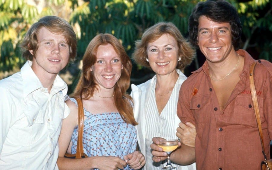 Ron and Cheryl Howard With Anson Williams and Marion Ross – 1977.