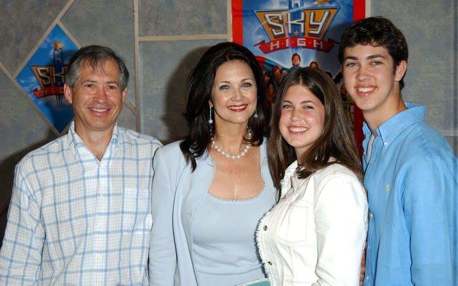 Robert Altman with Lynda Carter and children Jessica and Jamie