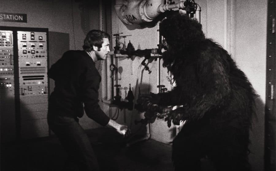 Lee Major fighting a bear