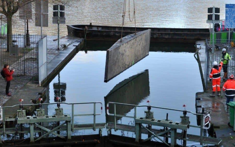 drenando el canal de París