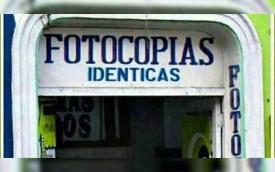 Letrero de local que lee: Fotocopias Idénticas