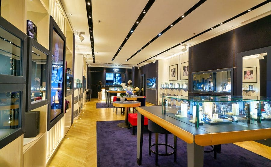 The inside of a mall jewellry store