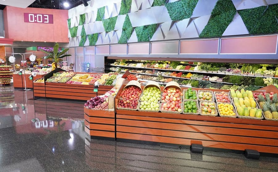 A wide-angle shot of the set of Supermarket Sweep Reboot.