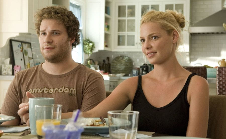 Seth Rogan and Katherine Heigl at the breakfast table in a scene from Knocked Up