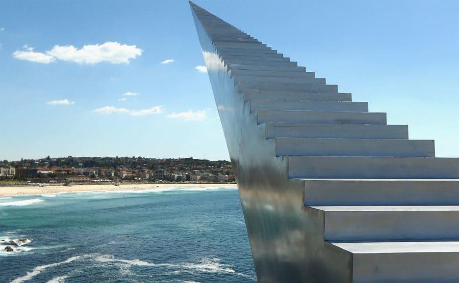 Monumento de escalera sin fin