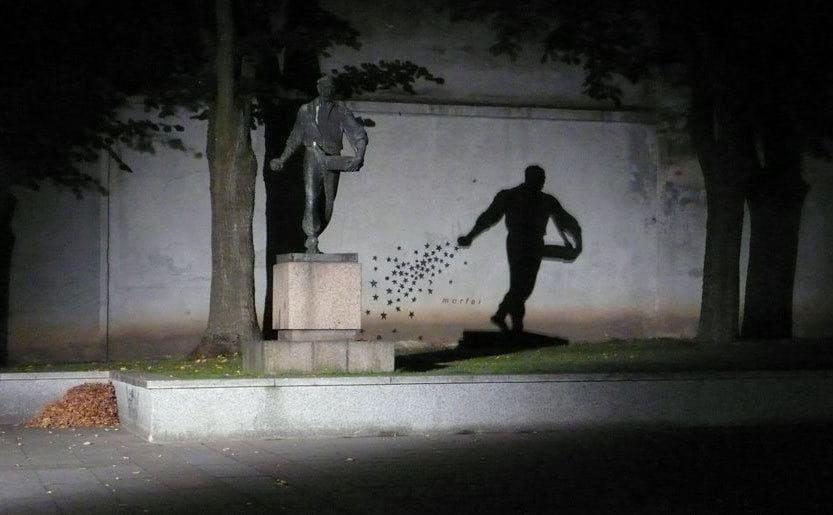 23 Estatua de sembrador, en Kaunas, Lituania