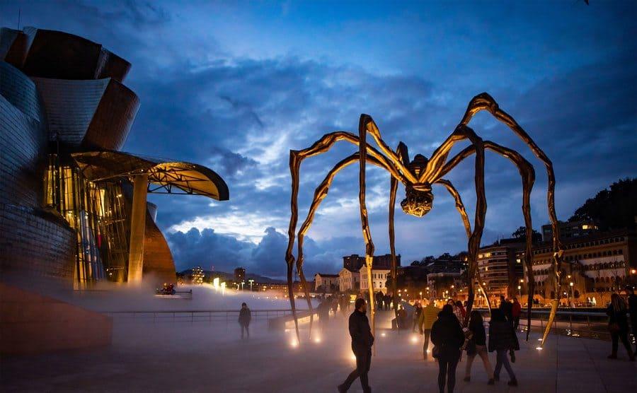Escultura de araña gigante, en Bilbao, España